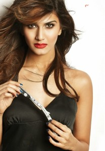 Vaani-Kapoor-Hot-FHM-Photoshoot-Stills-021
